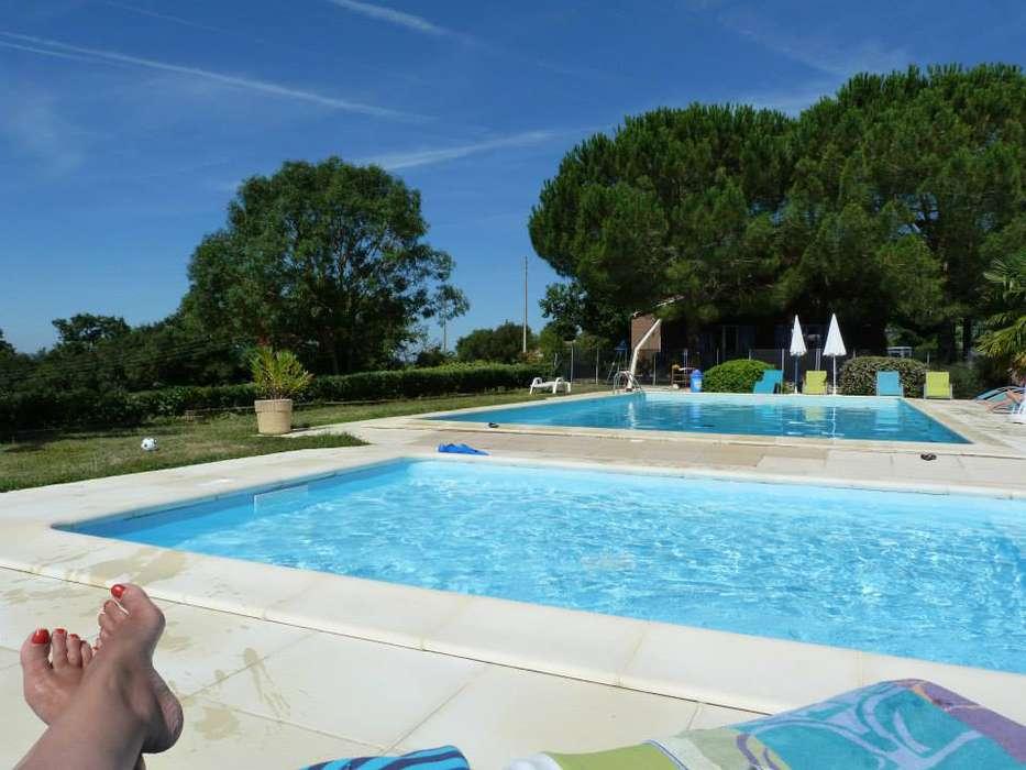 Les Chalets des Mousquetaires - piscine.jpg