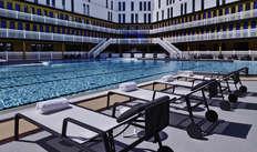 accès à la piscine extérieure chauffée pour 2 adultes