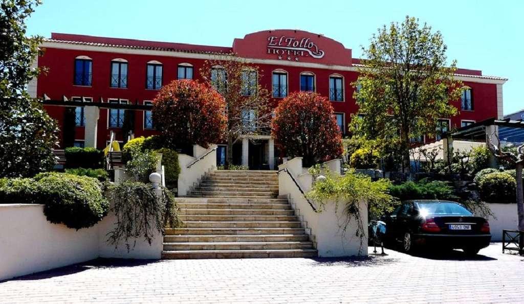 Hotel Restaurante El Tollo  - fachada.jpg