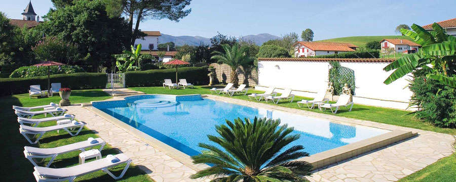 Hôtel Ithurria   - piscine2-2015web.jpg