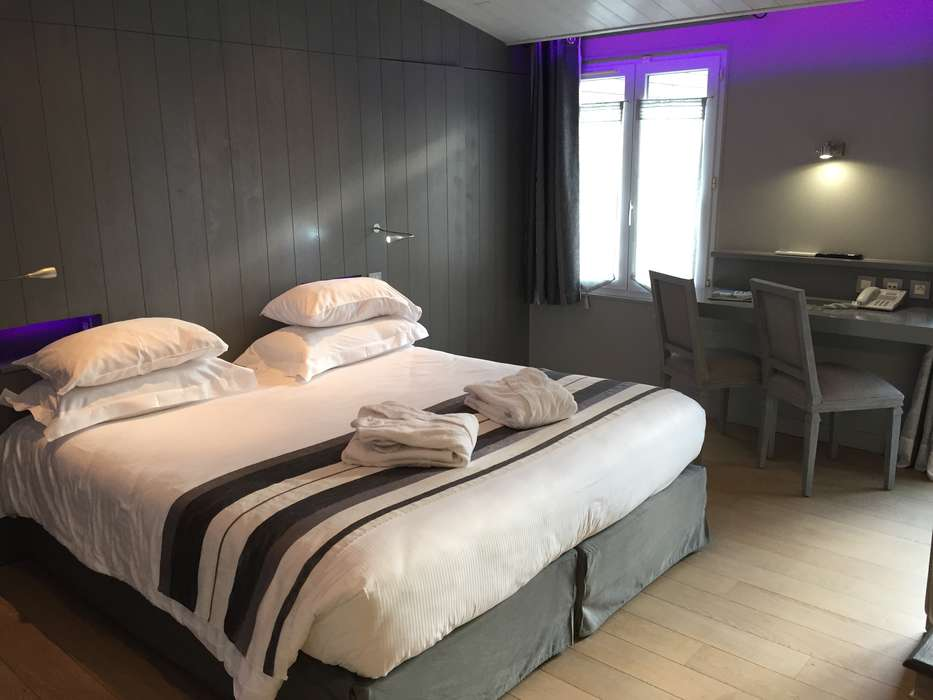 Elégance Suites Hôtel - Elegance_suites_Hotel_-_Suite_Balneo_Luxe.JPG