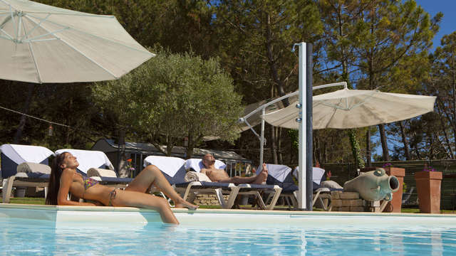 Elegance Suites Hotel - Hotel Plasiir- Piscine