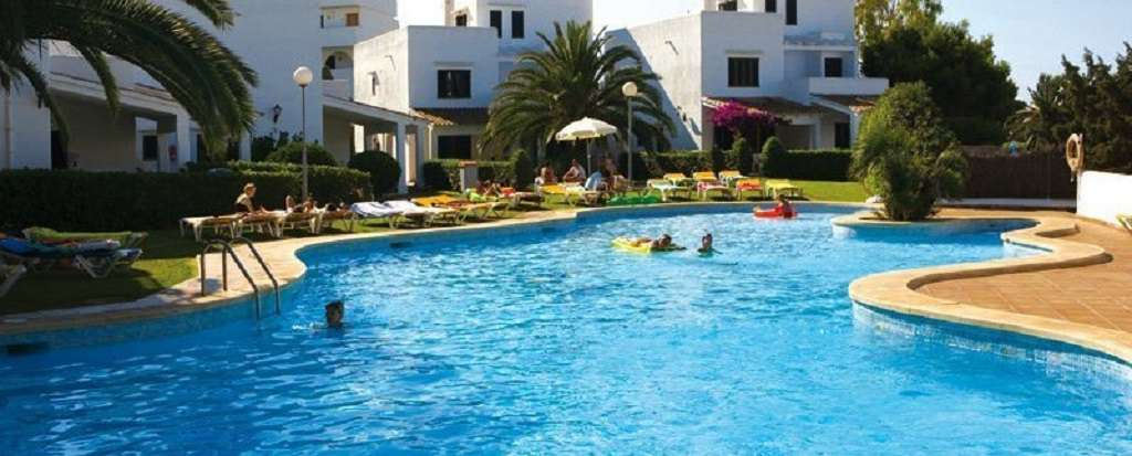 Aparthotel Ses Cases D'Or - PISCINA_DE_SES_CASES_D_OR_jpg_930x323_crop_q85.jpg
