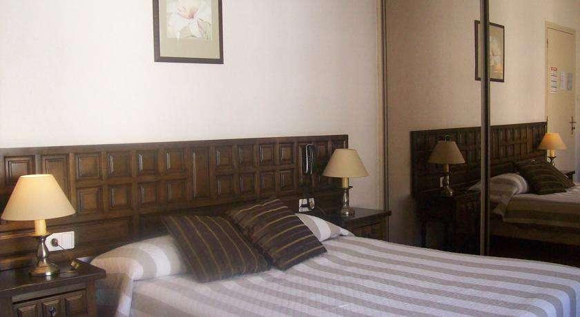 Hôtel Reine Amélie - 9233477.jpg