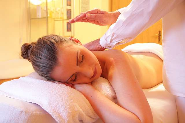 Escapade relaxante avec un massage en couple à deux pas de Santillana del Mar