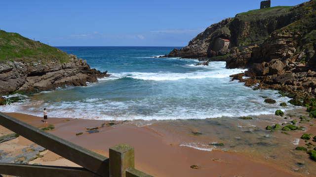 Especial Aventura: Escapada con Espeleología, botella de vino y bombones cerca de Santillana del Mar