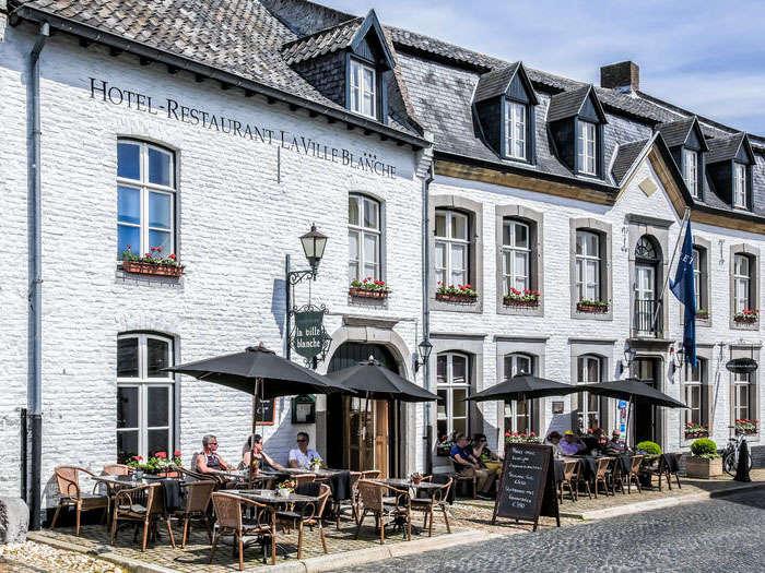 Fletcher Hotel-Restaurant La Ville Blanche - web-La_Ville_Blanche-Exterieur-Terras_g.jpg