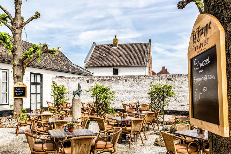 Fletcher Hotel-Restaurant La Ville Blanche - extra-La_Ville_Blanche-Exterieur-Terras_Achter--3.jpg