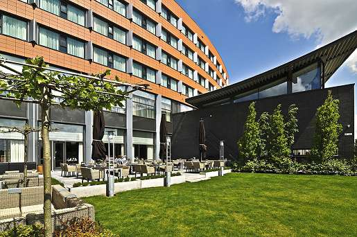 Van der Valk Hotel Ridderkerk - Terras_1klein.jpg