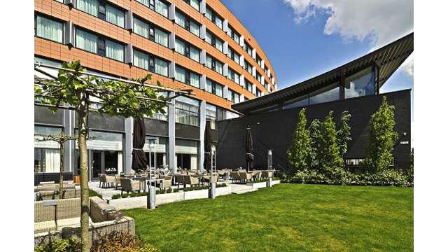 Van der Valk Hotel Ridderkerk - Terras klein