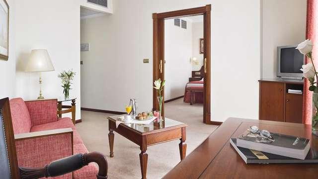 Escapada en Junior Suite en un hotel sencillo situado en el centro de Ferrol
