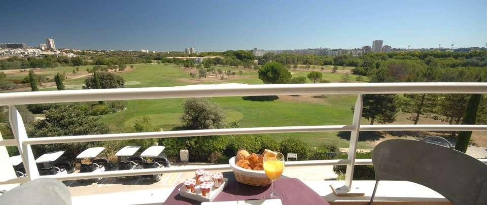 Quality Hotel du Golf Montpellier Juvignac - fr476-quality-hotel-du-golf-montpellier-juvignac-juvignac-superior-suite-room8.jpg.1920x807_0_187_10000.jpg