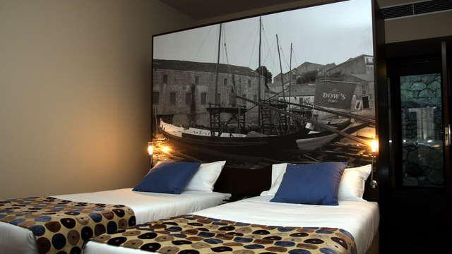 1 noche en habitación doble estándar vista al lago para 2 adultos
