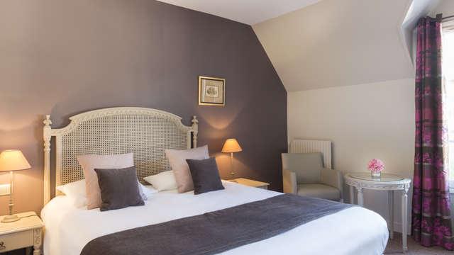 Hotel The Originals Aux Vieux Remparts ex Relais du Silence