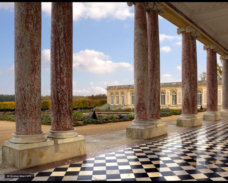 Hôtel le Versailles - 10.jpg