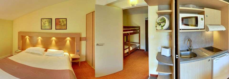 Suite-Home Briançon Serre-Chevalier - suite-home-panochambrefamille.jpg