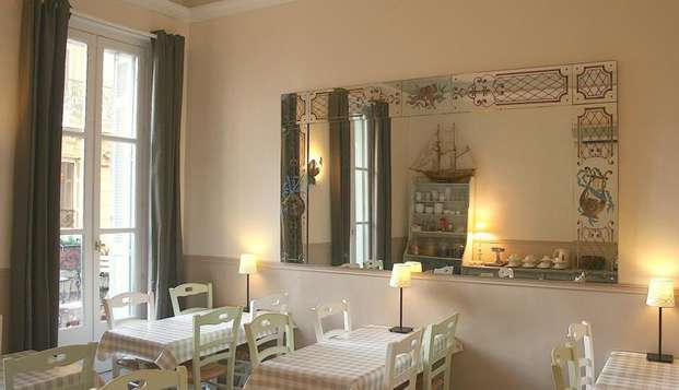 Hotel Maison Saint Louis Vieux Port - hotel saint louis chambre