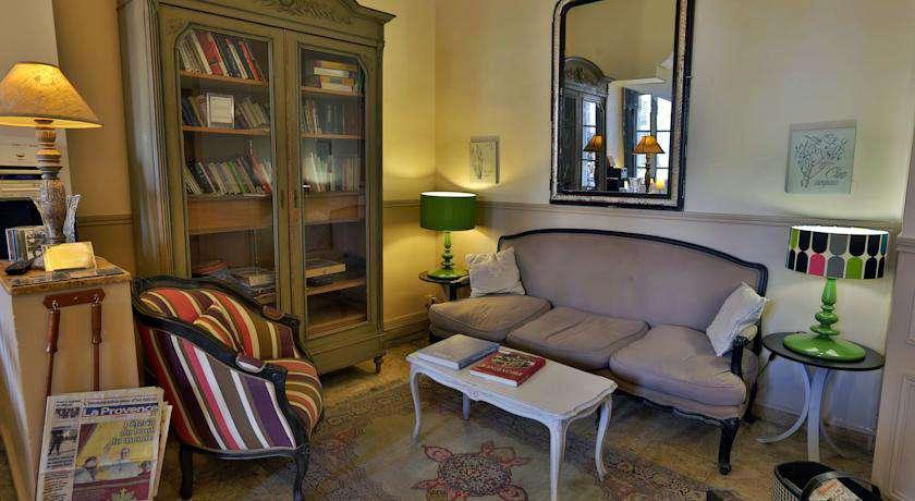 Hôtel Maison Saint Louis Vieux Port - hotel_saint_louis_chambre_reception.jpg