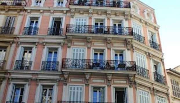 Hotel Maison Saint Louis Vieux Port - hotel saint louis facade