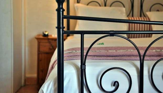 Hotel Maison Saint Louis Vieux Port - hotel saint louis lit