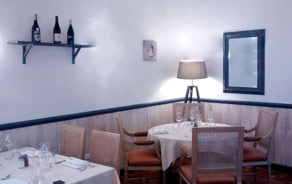 Les Trois Lys - les_trois_lys_restaurant.jpg