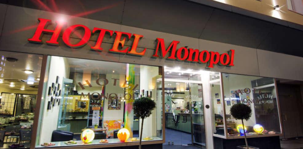 monopol hotel 3 d sseldorf duitsland. Black Bedroom Furniture Sets. Home Design Ideas
