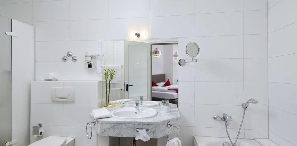 week end chambre d 39 h te d sseldorf partir de 60. Black Bedroom Furniture Sets. Home Design Ideas