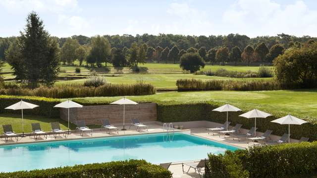 Mercure Chantilly Resort Conventions - Dolce Chantilly - Outdoor Swimming Pool -