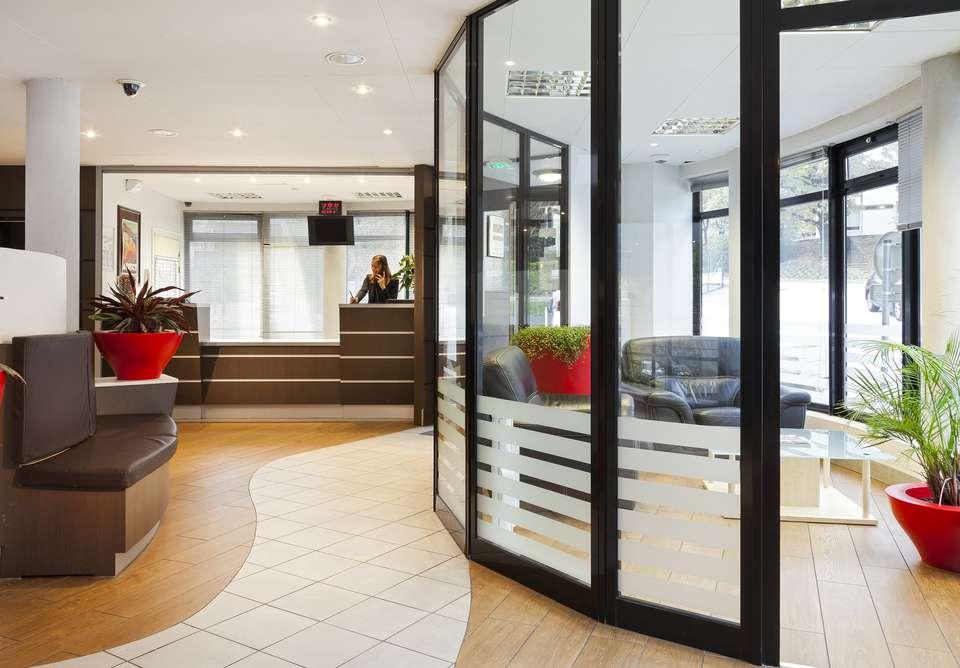 Zenitude Hôtel Résidences - Les Hauts d'Annecy - RECEPTION__1_.jpg