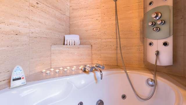 bañera de Hidromasaje en la habitación