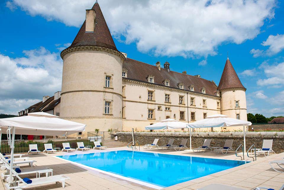 Hôtel Golf Château de Chailly - 2-Chateau_-_Piscine.jpg