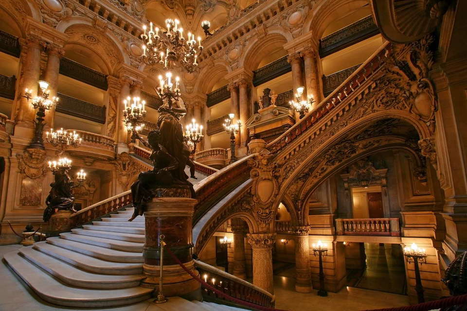 Pullman Paris Centre Bercy - opera-national-de-paris-stairs.jpg