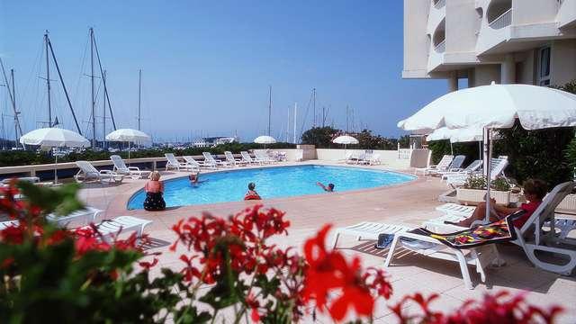 Mercure La Grande Motte Port - mercure-grande-motte-outdoor-pool