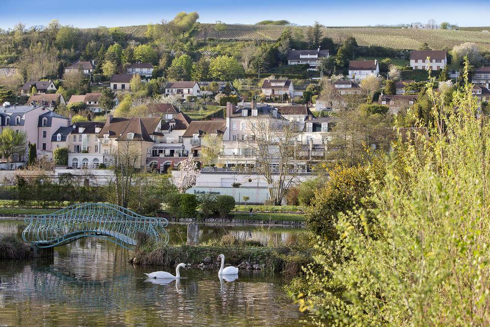 La Côte Saint Jacques and Spa - vue_depuis_le_rive_gauche__sergedetalle.jpg