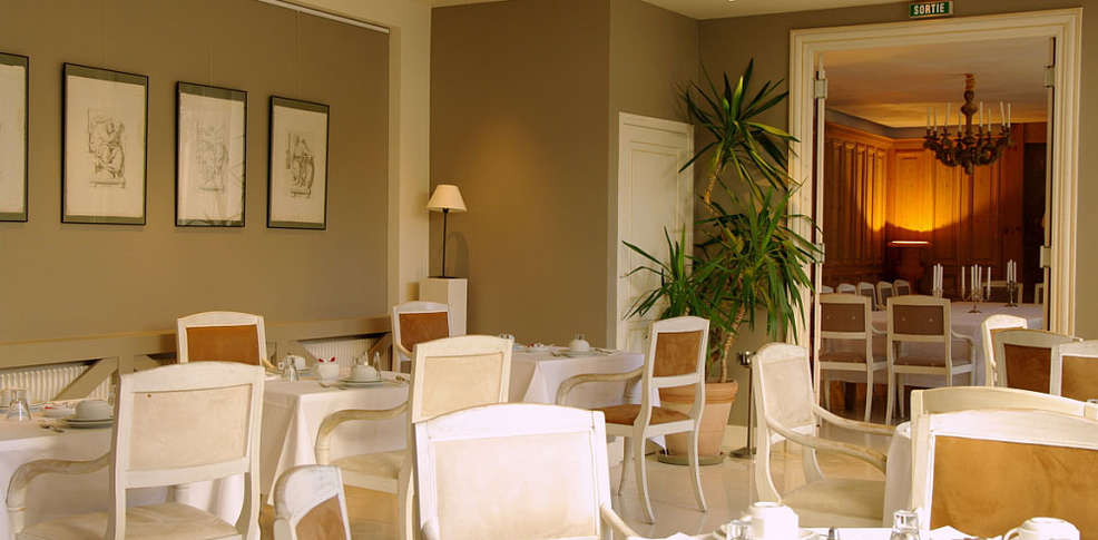 H tel la r sidence de france 5 la rochelle france for Reservation hotel sud de la france