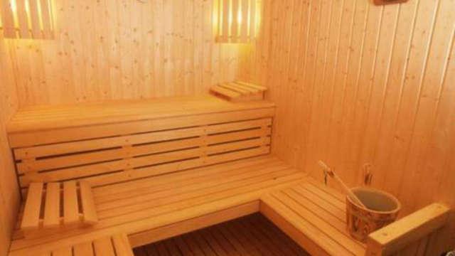 1 acceso a la sauna privado para 2 adultos