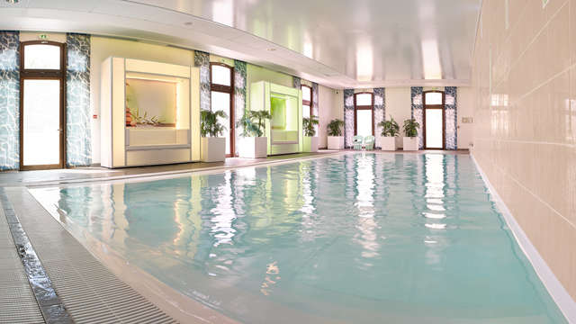 Radisson Blu Paris Marne-la-Vallee - SwimmingPool