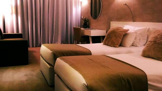 2 noches en suite estándar vista a la montaña para 2 adultos