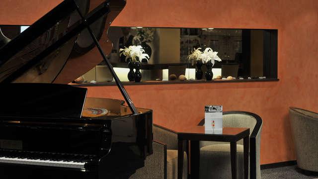 Mercure Maurepas St-Quentin - Piano