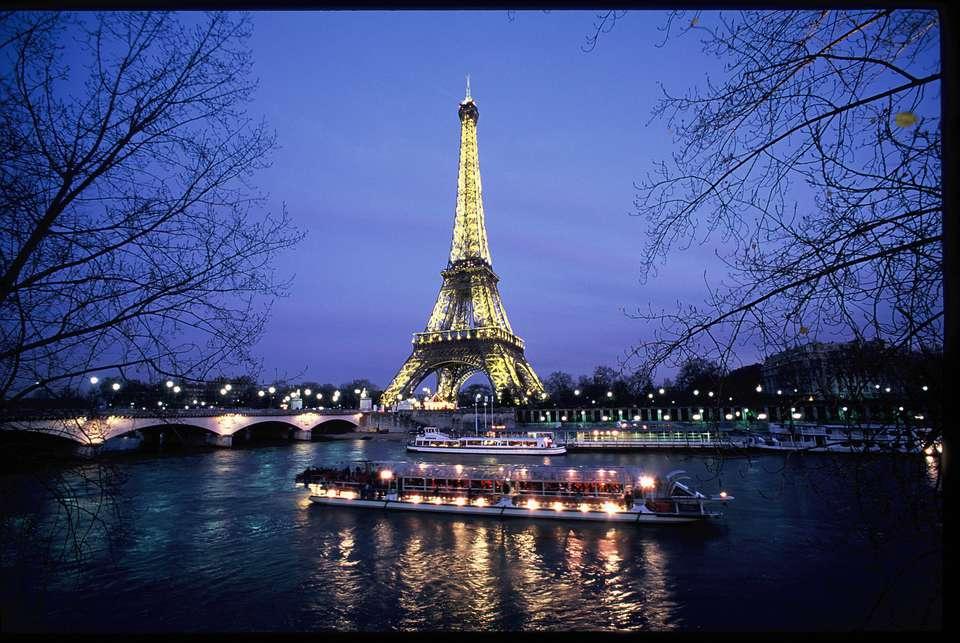 Les Plumes Hôtel  - Croisiere_-_Vue_Tour_Eiffel.JPG