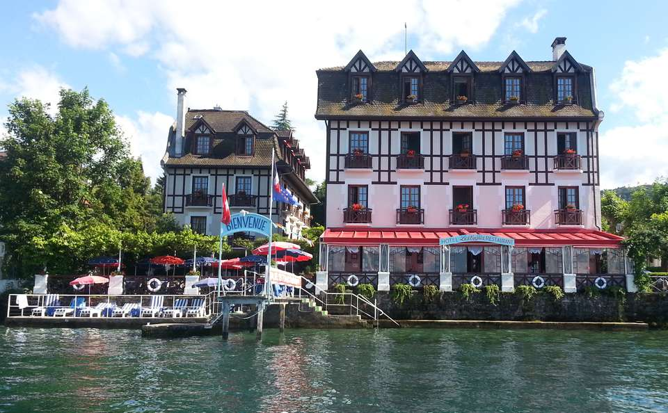 Hôtel Les Cygnes - gardens.jpg