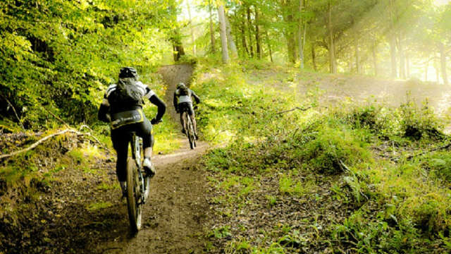 Escapada en bicicleta por la naturaleza cántabra (desde 2 noches)