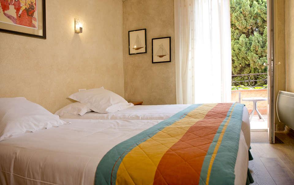 Week end route des vins collioure avec d gustation de vins - Hotel avec jacuzzi dans la chambre pyrenees orientales ...