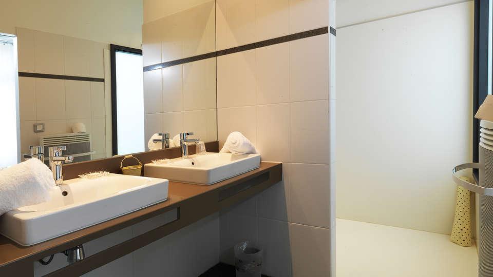 Le Manoir d'Agnès - RTQ_bathroom_standard.jpg