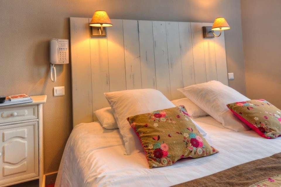 Hotel The Originals La Baule-Escoublac Le Saint Pierre (ex Inter-Hotel) - CHAMBRE_COSY.jpg