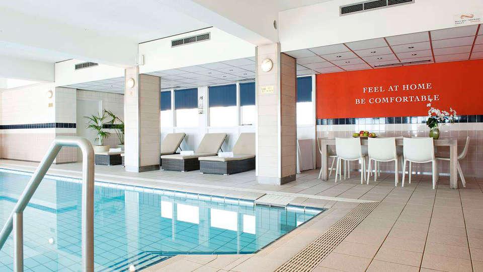 Carlton Beach - RTQ_pool.jpg