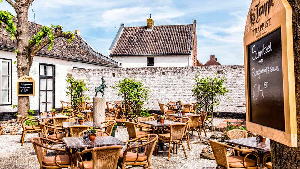 Fletcher Hotel-Restaurant La Ville Blanche - rtq_665653_1000_667_FSImage_1_extra-La_Ville_Blanche-Exterieur-Terras_Achter--3.jpg