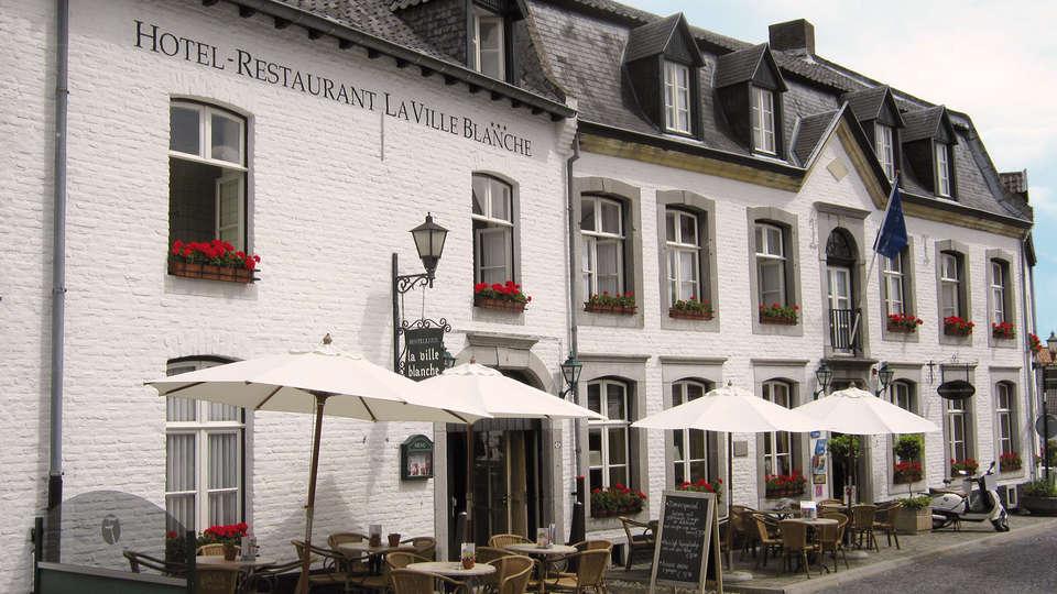Fletcher Hotel-Restaurant La Ville Blanche - rtq_front_villablanche.jpg