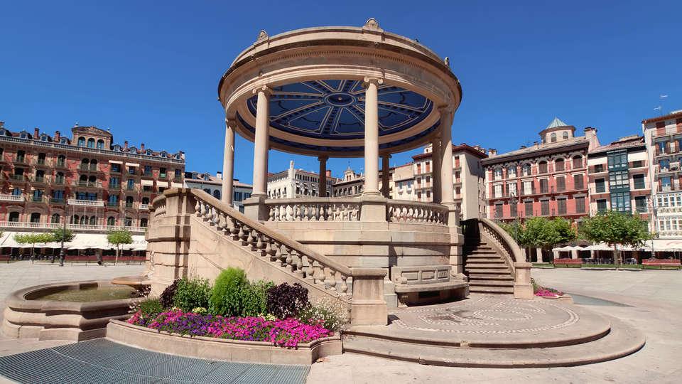 Hotel Agorreta - rtq_Fotolia_79188180_pamplona.jpg