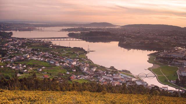 Escapada Romántica con botella de cava en el corazón de Ferrol
